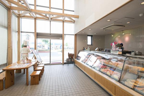 かずさ和牛工房の直営ショップでは特選和牛肉や自家製肉惣菜を販売しています