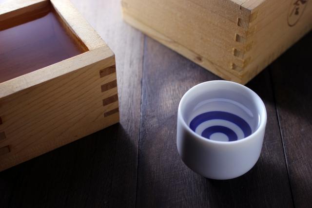 サラリと飲みやすい「飛鶴 本醸造」