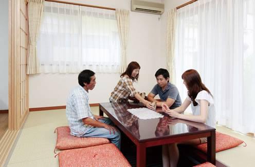 【建築実例 家族のこだわりとつながりを同時に叶える二世帯住宅】