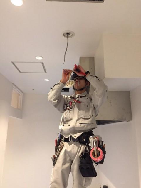 プラント工場内の電気工事、保安点検をなどを行っております。