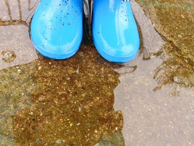 雨の日には、いつもと違った危険が潜んでいます。