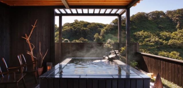 燦美の宿かわなの楽しみ方(2) 朝の露天風呂でスッキリと。