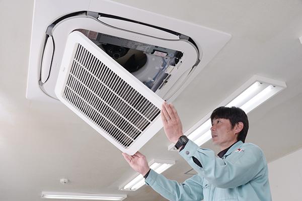 【求人情報】エアコンの取付工事など行っております。