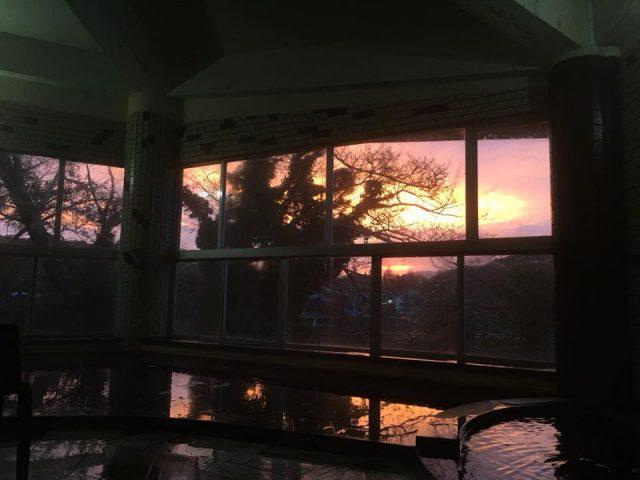 お泊りのお客様の特権!朝焼けの亀山温泉