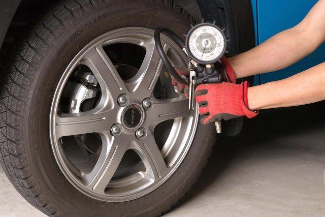 タイヤの空気圧、大丈夫ですか?