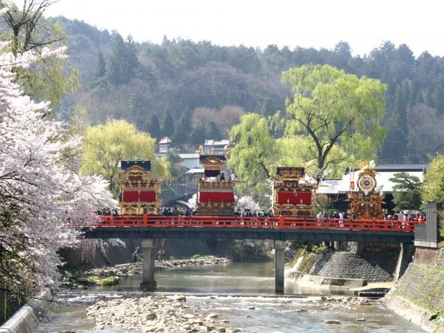 001春の高山祭