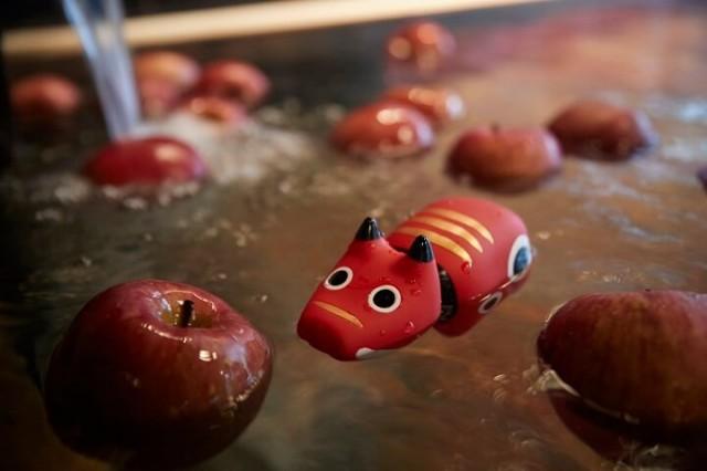かわいい会津の郷土玩具「赤べこクリスマス」