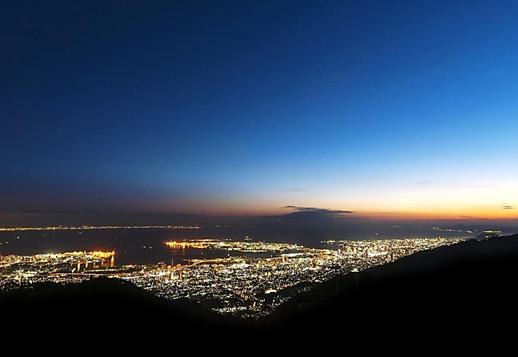 新春・イルミ特集☆ケーブルカーで行く「六甲山1000万ドルの夜景ガイドツアー」